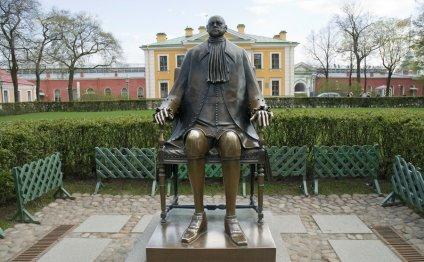 Памятник Петру I в