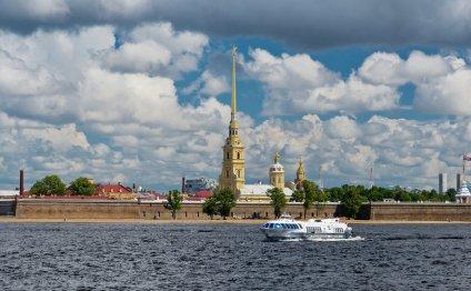 Вид на Петропавловскую